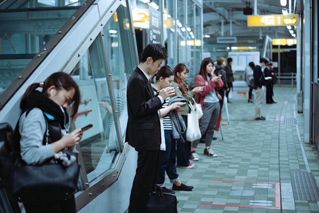 Qué soluciones tecnológicas están ofreciendo fabricantes y marcas para que no nos distraigamos con el móvil