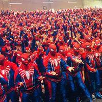 Más de 500 personas disfrazadas de Spider-Man se reúnen en un mismo lugar para batir un Récord Guinness