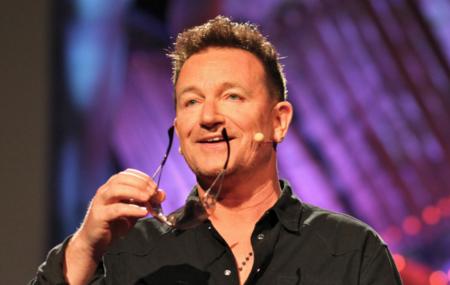 Bono quiere que Apple alcance los mil millones de cuentas en iTunes con su nuevo formato musical