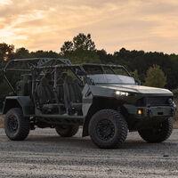 Así es el nuevo todoterreno de General Motors para el ejército, que puede sobrevolar los cielos en un helicóptero militar