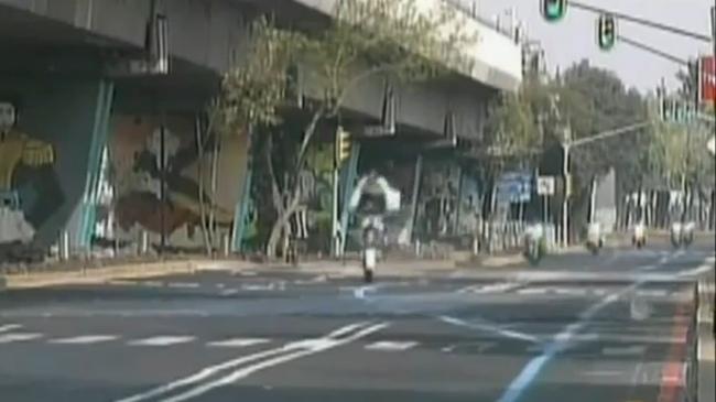 Policía mexicano badén