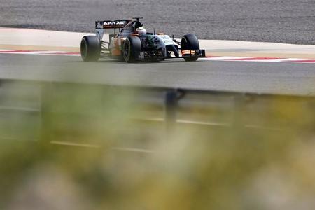 Sergio Pérez vuelve a ser el más rápido en Baréin