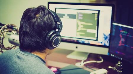 Un programador programando