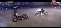 Usos que no pensábamos de una moto: acrobacias con una Ural