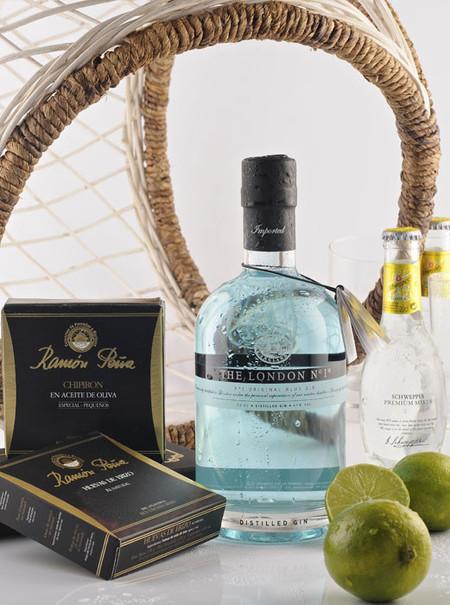 One & Only, el aperitivo más fresco formado por la ginebra The London Nº1  y los tesoros del mar de Ramón Peña