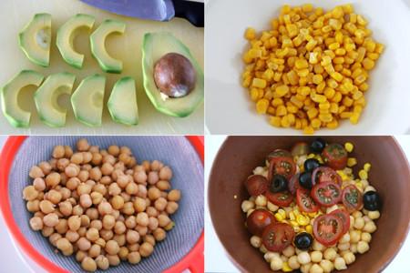 Ensalada de garbanzos con maíz y aguacate. Receta saludable