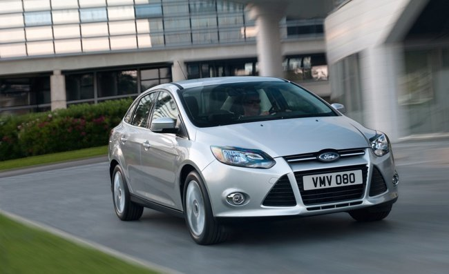 Ford-Focus-2012