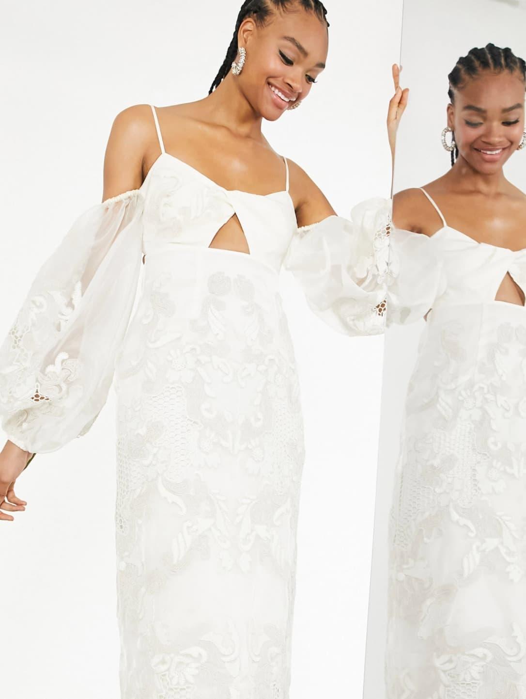 Vestido de boda midi bordado con mangas llamativas y detalle retorcido en la parte delantera Willow de ASOS Edition
