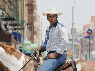 """""""Black Cowboys"""" de Andrea Robbins y Max Becher, un retrato del universo de los cowboys negros"""