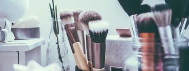 Siete brochas para aplicar polvos bronceadores y crear un maquillaje veraniego perfecto