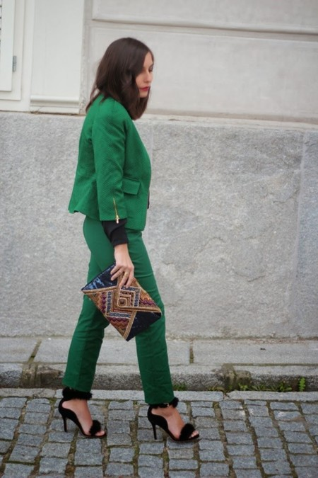 traje verde