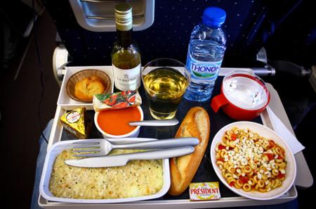 La comida en los aviones puede no tener una higiene impecable