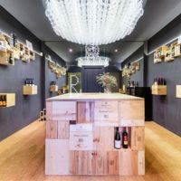 Wine Store, una pop up store de la bodega Remírez de Ganuza diseñada con elementos del mundo del vino