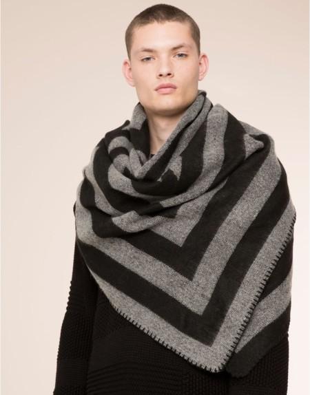 ¿Buscando la bufanda perfecta? Pull&Bear las tiene todas con prints increíbles