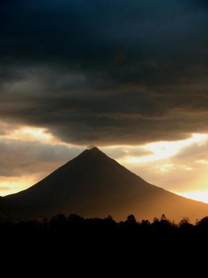 Descubierto un gran volcán en Costa Rica