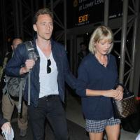 Tom Hiddleston empieza a estar un poquito harto de ir detrás de Taylor Swift