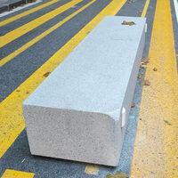 """Barcelona retirará los bloques de hormigón relacionados con la muerte de un motorista pero pondrá otros """"más seguros"""""""