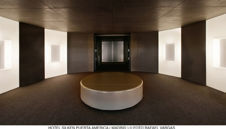 hotel puerta América - Gluckman - lobby