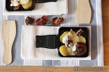 Receta de raclette de salchichas frescas, chorizo criollo, champiñón y patata asada