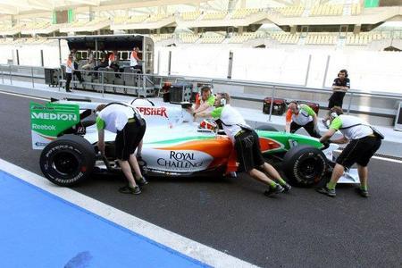 El primer día de los tests de jóvenes pilotos de Abu Dhabi termina con Daniel Ricciardo con el mejor tiempo