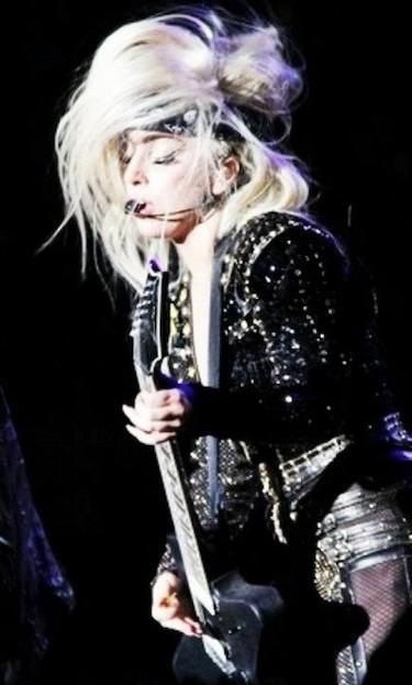 Lady Gaga o cómo vomitar en un concierto sin perder en ningún momento la elegancia