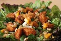 Receta de ensalada de pollo panko con vinagreta de soja y mango