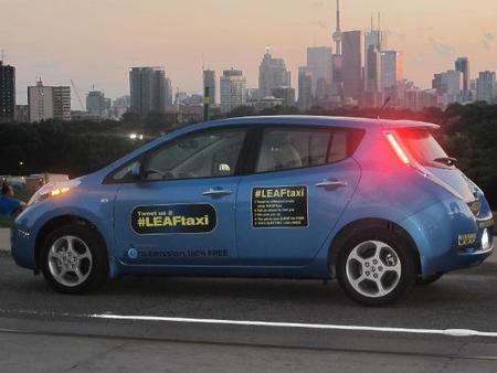 Vuelven los trayectos de taxi gratis a bordo de un Nissan Leaf