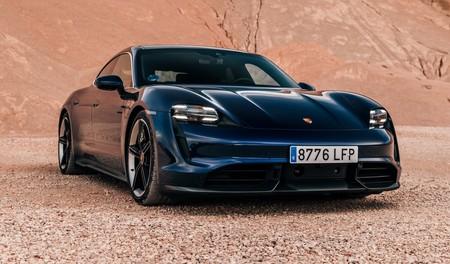 Porsche Taycan Turbo S frontal