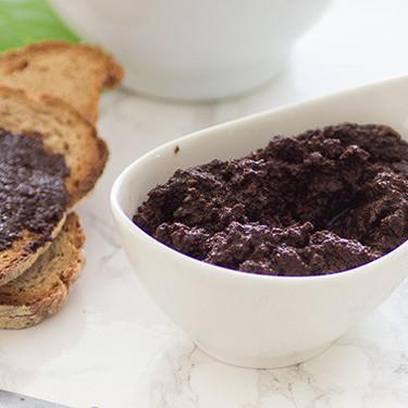 Cómo hacer tapenade de aceitunas negras: receta fácil para un aperitivo saludable