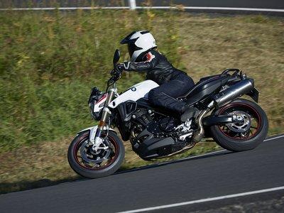 BMW vende motos escandalosas y la multan con 1.8 millones de pesos