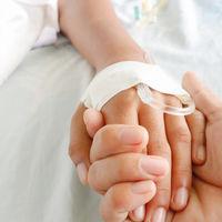 Curan la leucemia a un niño de seis años con una terapia pionera en la sanidad pública