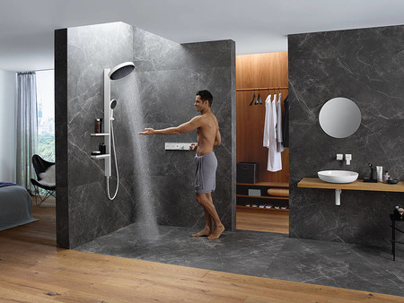 Rainfinity Showerpipe Powderrain Man Ambience 4x3