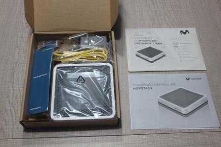 Contenido caja decodificador 4K Movistar