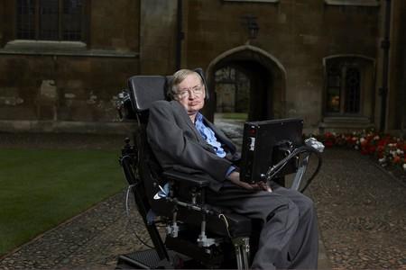 La comunidad de EVE Online ilumina la galaxia para recordar a Stephen Hawking y el resultado es maravilloso