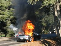 Los Ferrari también... arden