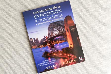 'Los secretos de la exposición fotográfica', de Bryan Peterson, nueva edición ampliada para un exitoso y práctico manual