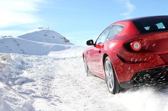 Ferrari FF en la nieve