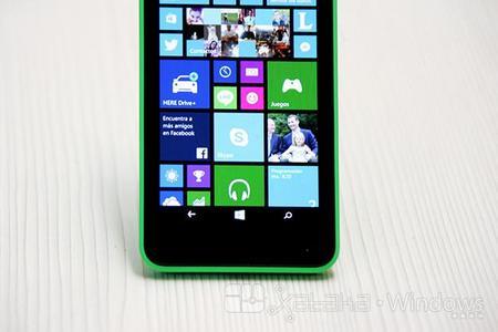 La barra del menú en pantalla del Lumia 630