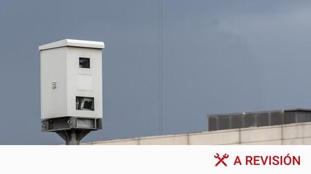 Radares laterales y de poste: dónde se encuentran y cómo verlos a tiempo