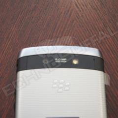 Foto 18 de 22 de la galería blackberry-torch-2-9810-mas-imagenes-del-nuevo-hibrido-de-rim en Xataka Móvil