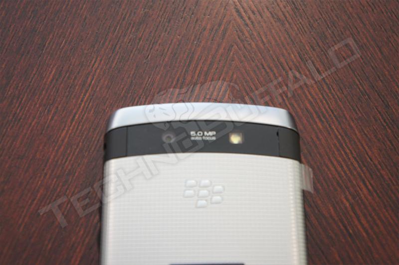 BlackBerry Torch 2 9810, más imágenes del nuevo híbrido de RIM