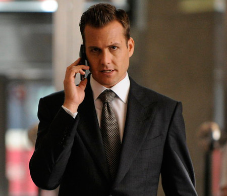 Harvey Specter corbata pata de gallo