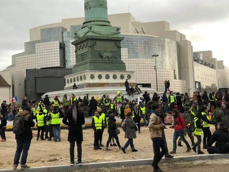 """Estos son los efectos económicos de los """"chalecos amarillos"""" de Francia"""