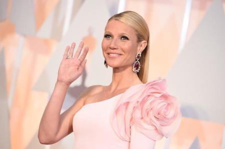 Gwyneth Paltrow puede ser una de las triunfadoras de la noche. ¡Su Ralph & Russo rosa es espectacular!