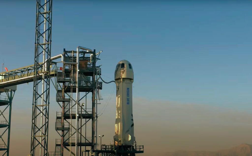Así despega y aterriza con éxito New Shepard, el cohete de Blue Origin con el que Jeff Bezos quiere remesar turistas al espacio