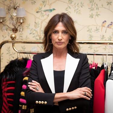 Nieves Álvarez tiene la blazer perfecta de fondo de armario y la combina con un look sobresaliente