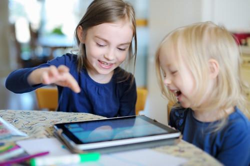 ¿Cuáles son los efectos del uso de dispositivos electrónicos en el desarrollo de nuestros hijos?