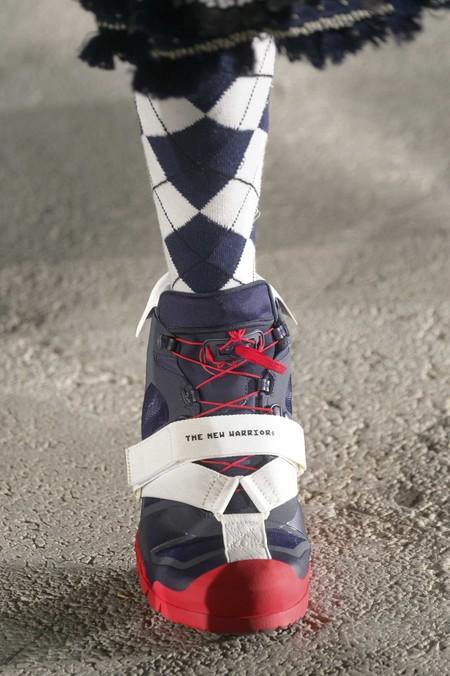 La Fusion De Sneakers Y Sandalias Hacen Que Las Tiras Se Conviertan En La Primera Gran Tendencia De Calzado 3