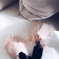 Las amas o las odias, estas son las slippers de pelo que están causando furor en la redes (y en la calle)