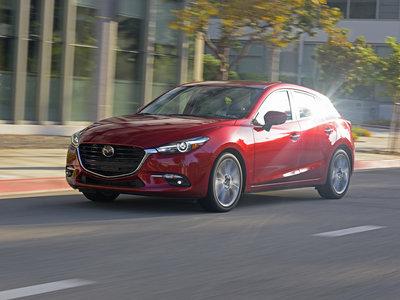 El prototipo del nuevo Mazda3 podría presentarse en octubre y estrenar el sistema HCCI